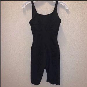 Maidenform Shapewear Body Suit Black Size Small